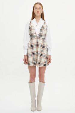 Omuzları Tokalı Piliseli Elbise