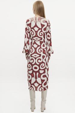 Dantel Yakalı Uzun Kol Elbise